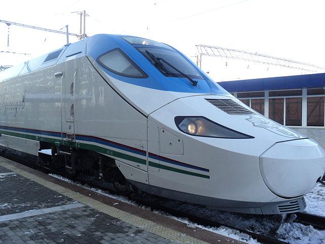 640px-Hi-speed_trains_Afrosiyab_(Uzbekistan)