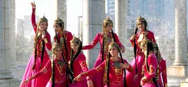 Dancing Girls in TM
