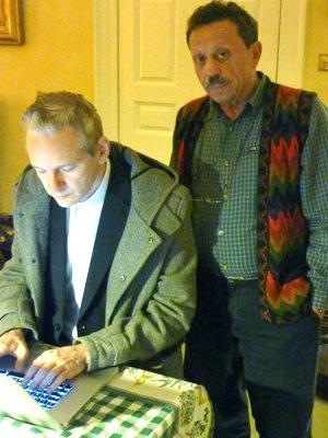 Israel-shamir-with-julian-assange-of-wikileaks-via-blogger-aangirfan-courtesy-swedish-expressen-se